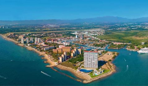 Puerto Vallarta prepares for upcoming high season.