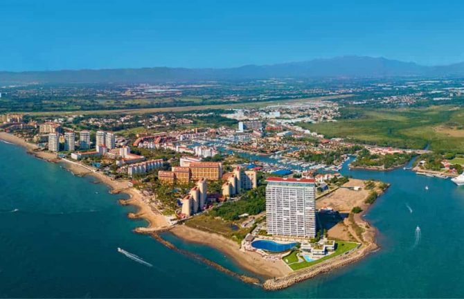 Puerto Vallarta prepares for upcoming high season.